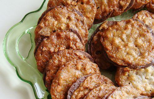 Classic Lace Cookies Recipe | Majic 102.1
