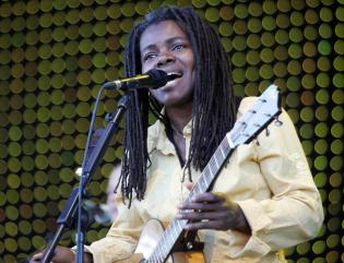US singer Tracy Chapman performs during