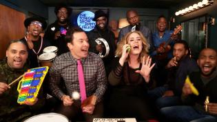 """Jimmy, Adele & The Roots Sing """"Hello"""""""