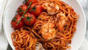 Garlic Butter Tomato Shrimp Linguine