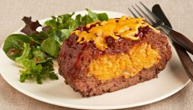 Macaroni and Cheese Stuffed Meatloaf