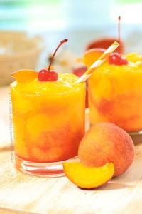 Frozen Peach Champagne Cocktail