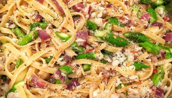 Spicy Crab & Asparagus Fettuccine