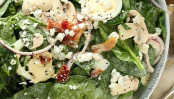 Spinach Salad with Creamy Poppy Seed Vinaigrette