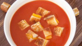 Easy Tomato Soup and Grilled Cheese Croutons