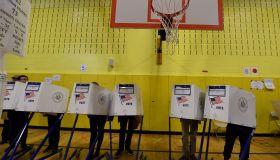 TOPSHOT-US-VOTE-ELECTION