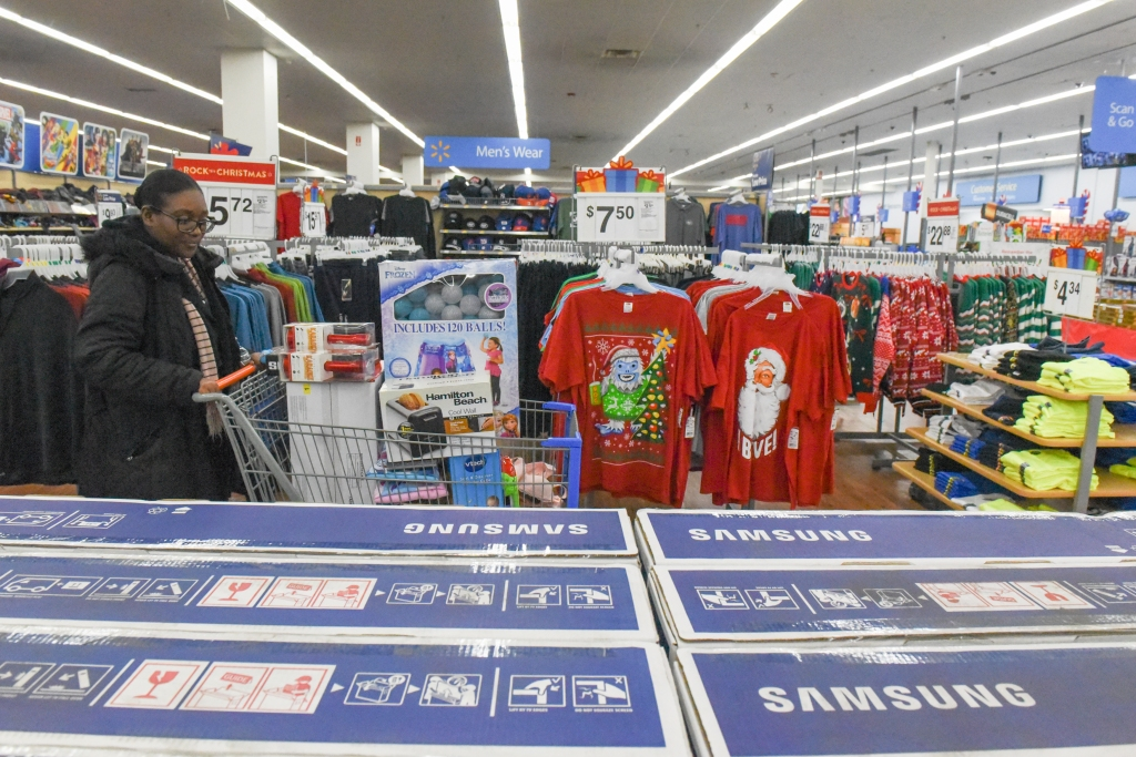 Shoppers Get Early Start To Holiday Shopping On Annual Black Friday